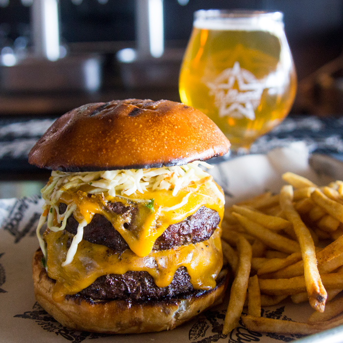 http://hollywood.beer/wp-content/uploads/2019/05/FreeBeerWithBurger_HollywoodBrewing.jpg